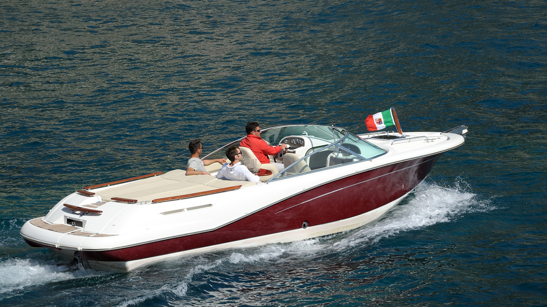 Jeanneau runabout premium boat charter for Runabout boats with outboard motors